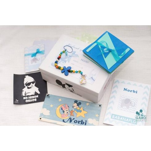 Baba ajándék doboz választható névvel - nagy